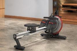 מתקן חתירה דגם Row GX™ Trainer מבית LIfe Fitness